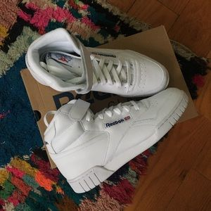 SOLD- Reebok Ex-O-Fit Hi Sneakers in white